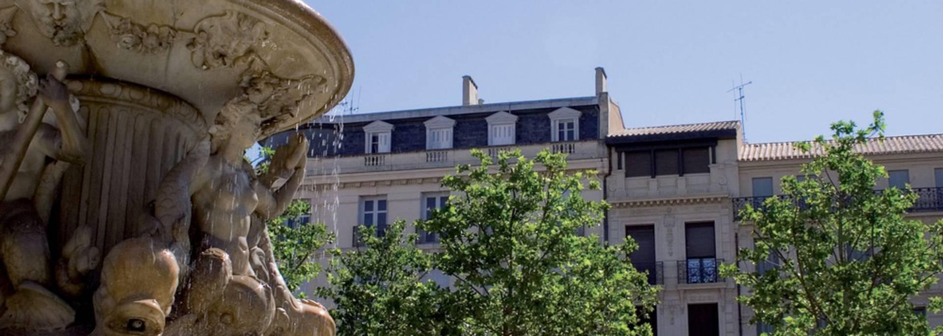 La fontaine de la place Carnot dans la ville basse de Carcassonne