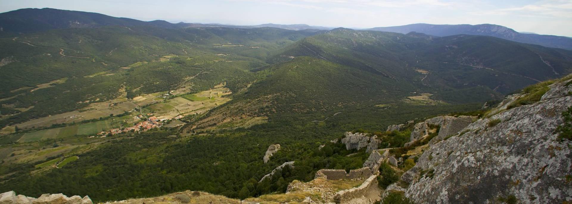 Vue depuis le château de Peyrepertuse