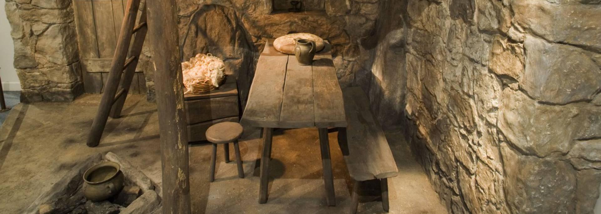 Reconstitution maison médiévale, musée du Catharisme