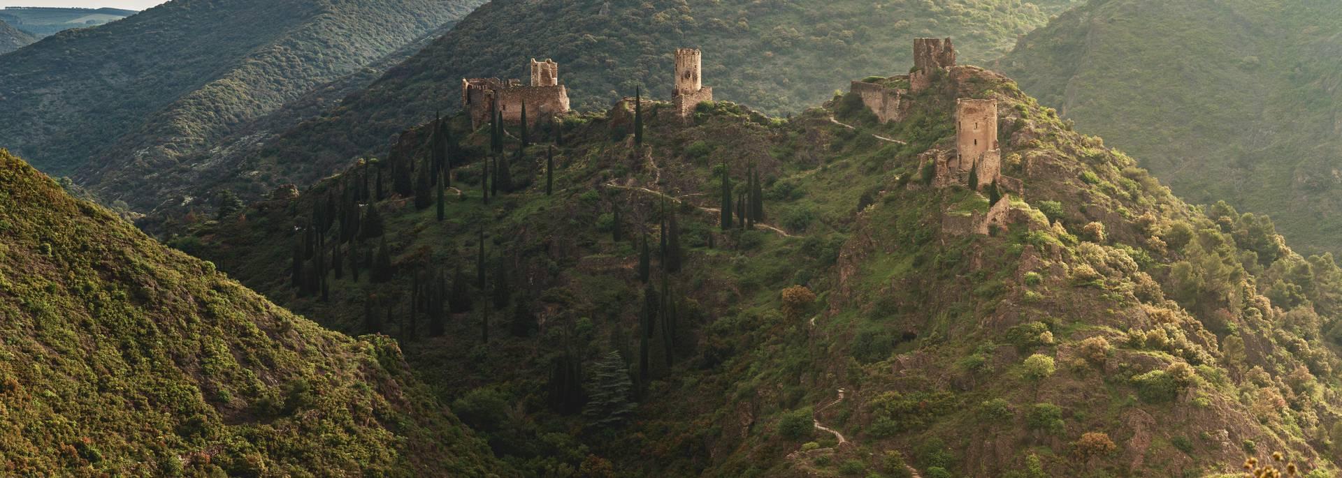 Les châteaux de Lastours