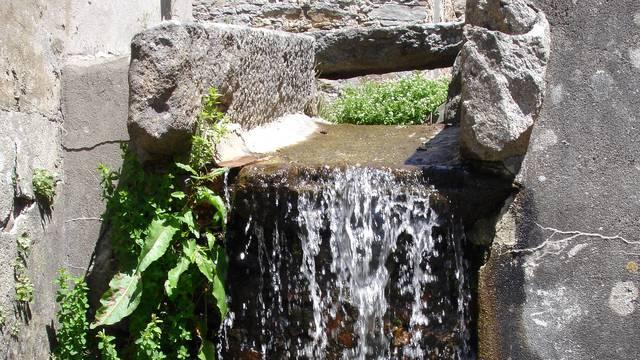 Das Wasser des Dorfes