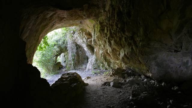 """Die Höhle """"Trou de la Cité"""""""