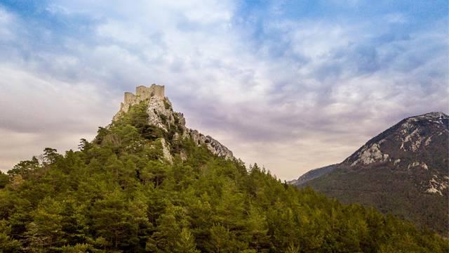 Expérience : Un pied sur le château de Puilaurens