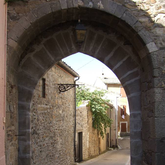 Porte d'AUtan Saissac