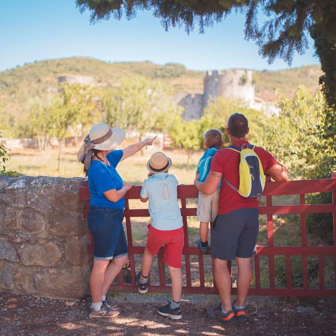 Visite du château de Villerouge-Termenès en famille